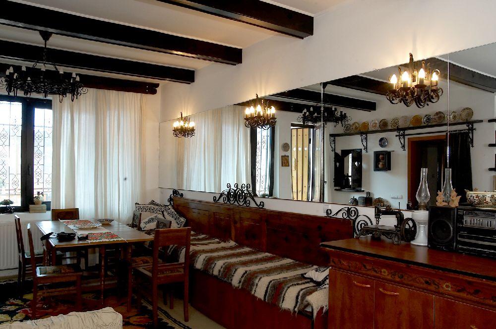 adelaparvu.com despre Anca Ciuciulin si casa ei cu decor traditional romanesc (17)