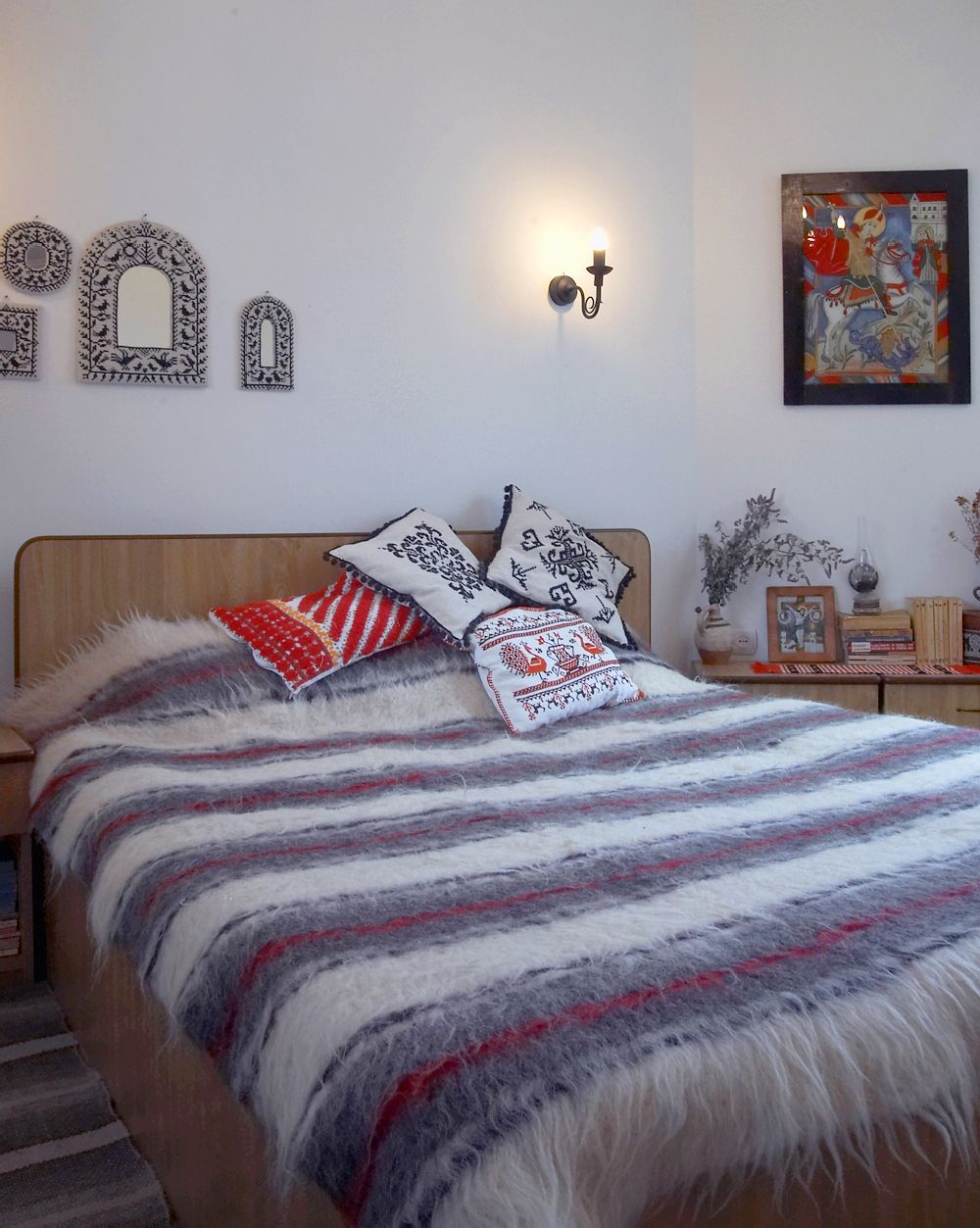 adelaparvu.com despre Anca Ciuciulin si casa ei cu decor traditional romanesc (2)