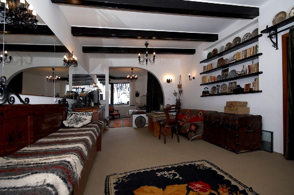 adelaparvu.com despre Anca Ciuciulin si casa ei cu decor traditional romanesc (20)