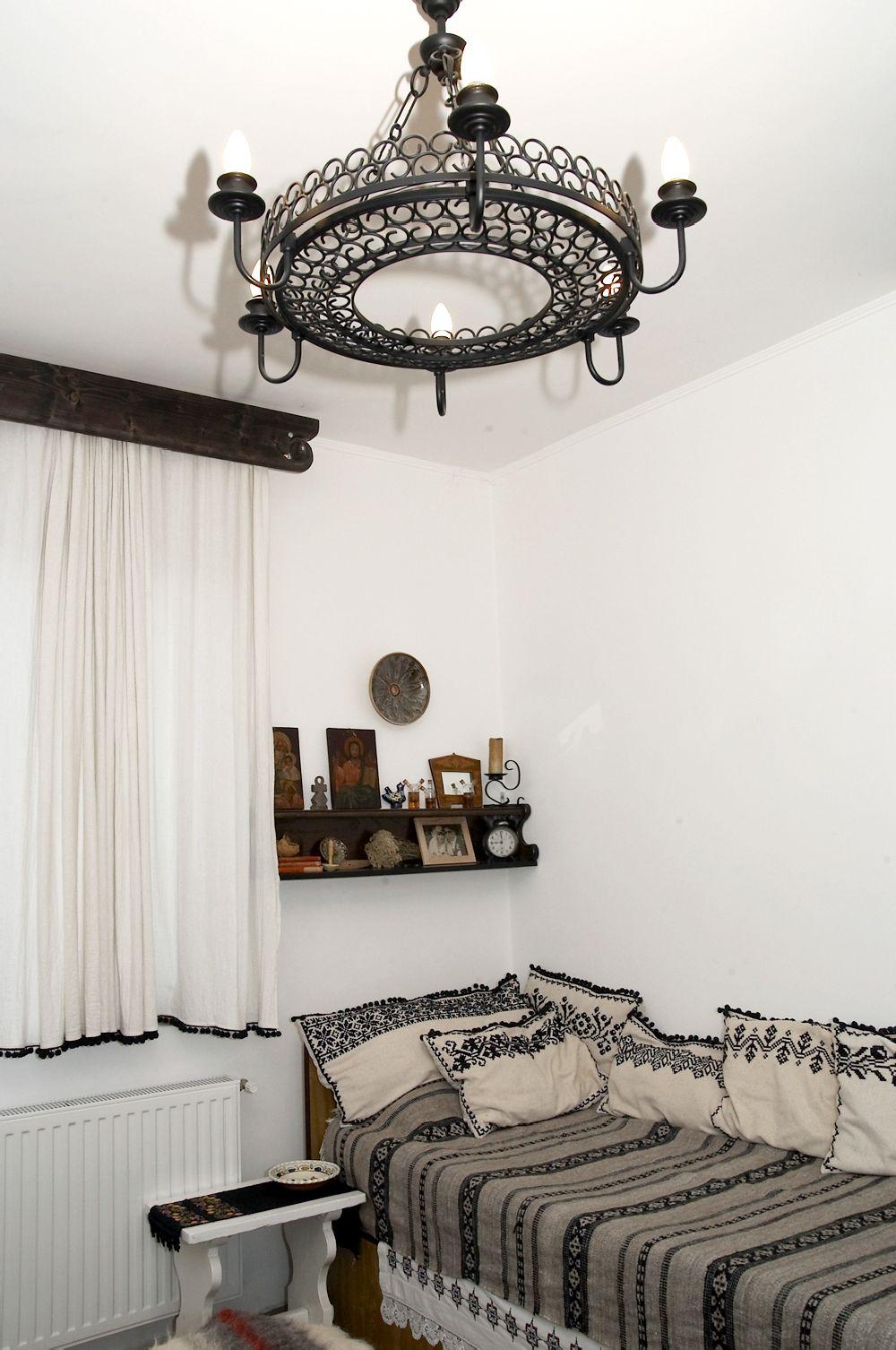 adelaparvu.com despre Anca Ciuciulin si casa ei cu decor traditional romanesc (6)