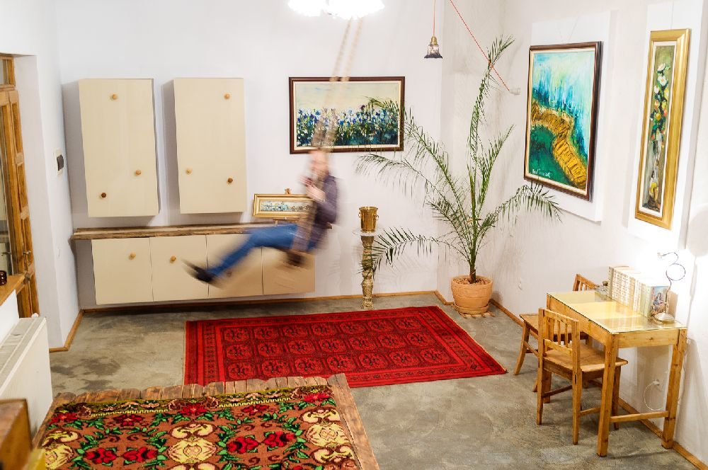 adelaparvu.com despre Apartment Art Cluj, design interior Doru Tonea, Foto Alex Lates (10)