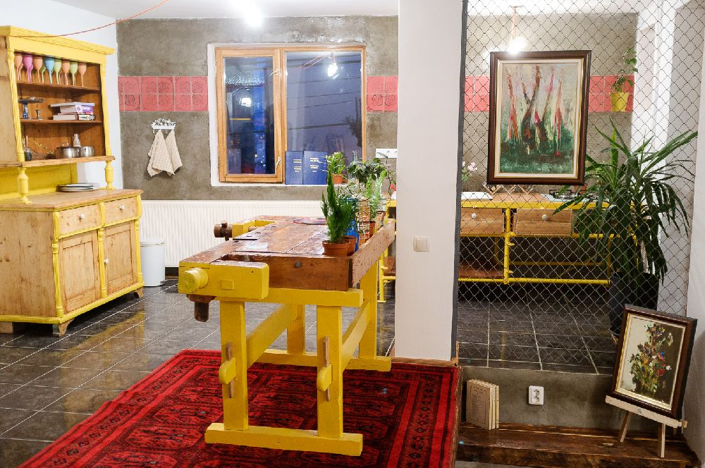 adelaparvu.com despre Apartment Art Cluj, design interior Doru Tonea, Foto Alex Lates (7)