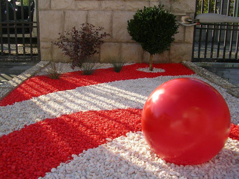 adelaparvu.com despre Evidecor, Tmisoara, fabrica de nisip si pietre decorative (1)