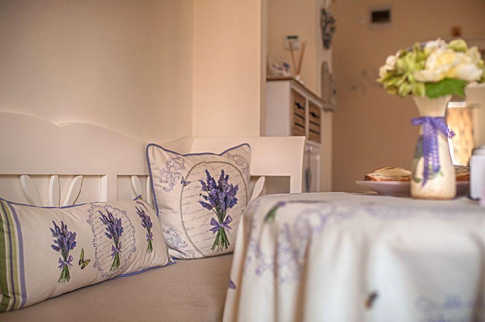adelaparvu.com despre amenajare apartament 2 camere Constanta, design interior Ana Maria si Laur Ivanof, Styling Oana Gardon, Foto Marian Sterea (80)