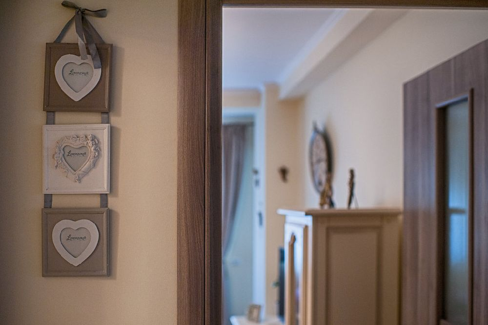 adelaparvu.com despre amenajare apartament 2 camere Constanta, design interior Ana Maria si Laur Ivanof, Styling Oana Gardon, Foto Marian Sterea (91)