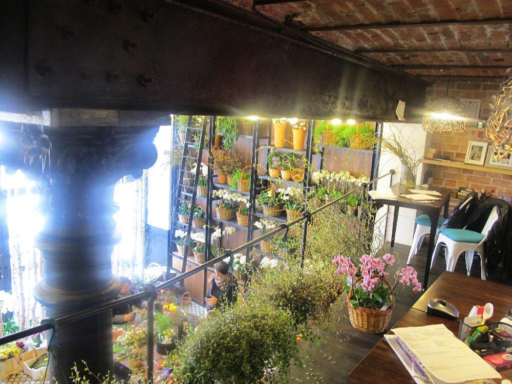 adelaparvu.com despre atelierul designerului florist Nicu Bocancea, Foraria Iris, design interior Pascal Delmotte (36)