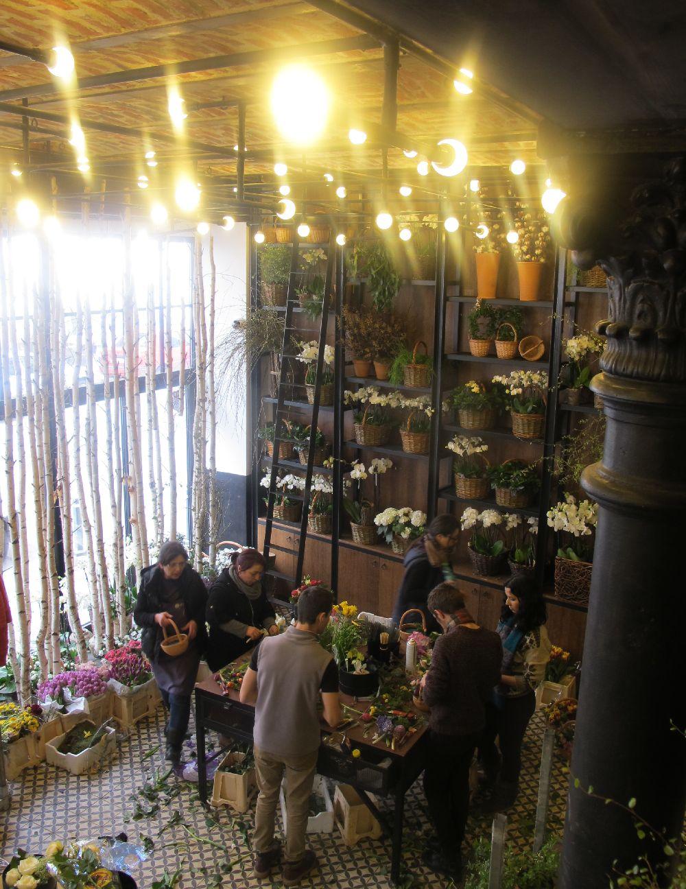 adelaparvu.com despre atelierul designerului florist Nicu Bocancea, Foraria Iris, design interior Pascal Delmotte (37)