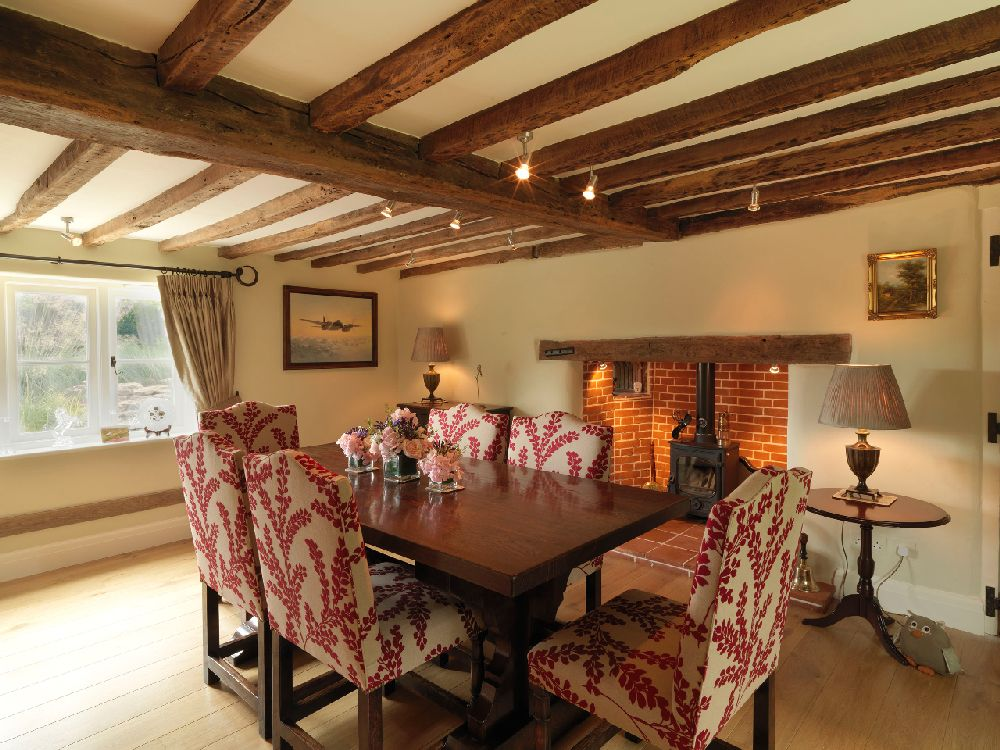 adelaparvu.com despre casa cu acoperis de stuf, casa veche sec XVII Anglia modernizata, design interior Icon Interios, Foto Steve Russell Studios (11)