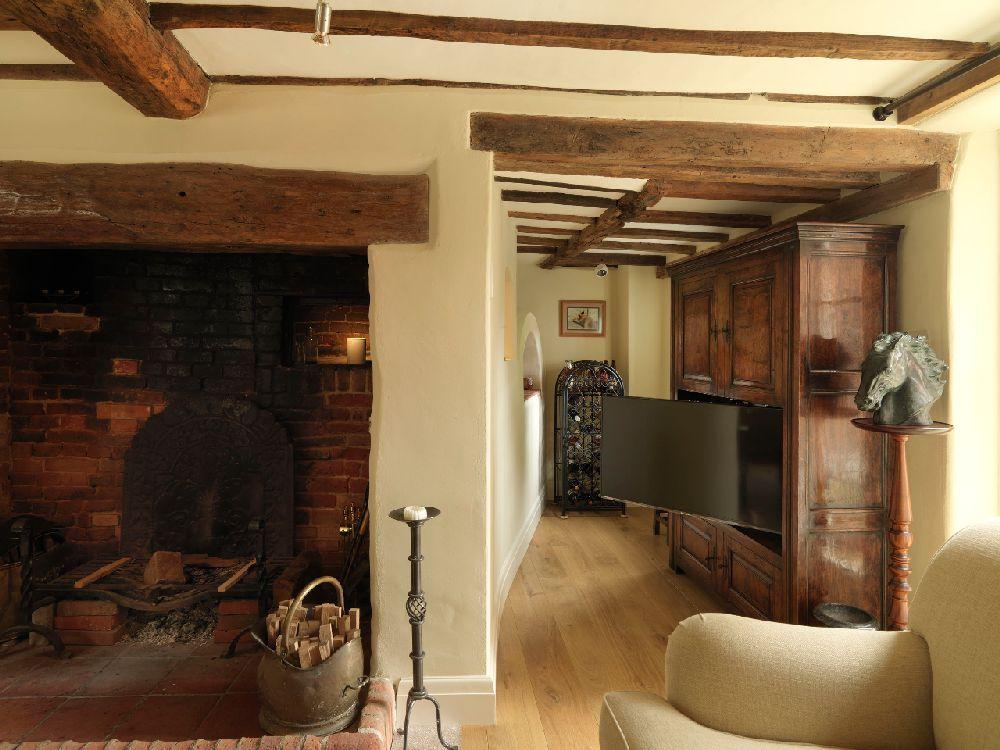 adelaparvu.com despre casa cu acoperis de stuf, casa veche sec XVII Anglia modernizata, design interior Icon Interios, Foto Steve Russell Studios (15)