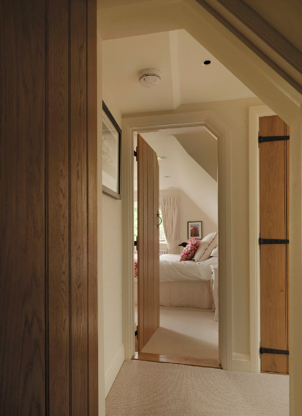adelaparvu.com despre casa cu acoperis de stuf, casa veche sec XVII Anglia modernizata, design interior Icon Interios, Foto Steve Russell Studios (17)