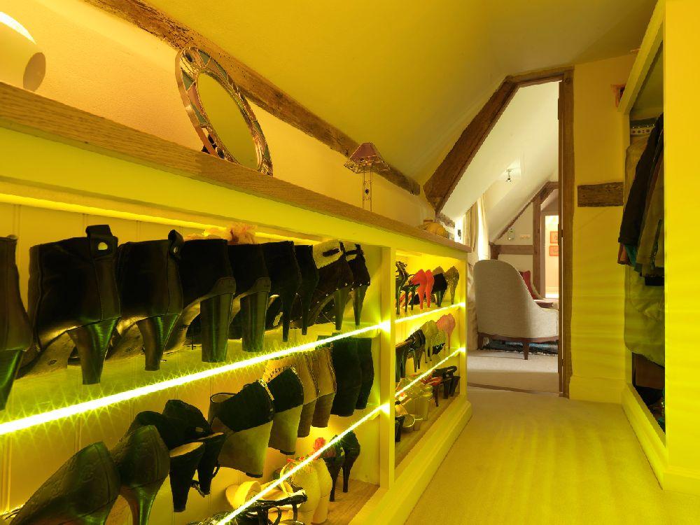 adelaparvu.com despre casa cu acoperis de stuf, casa veche sec XVII Anglia modernizata, design interior Icon Interios, Foto Steve Russell Studios (19)