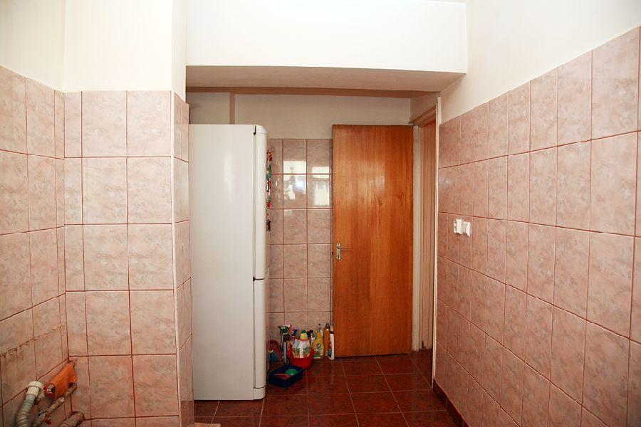 adelaparvu.com despre ap de 4 camere Bucuresti , design Val Decor , Foto Alia Bakutayan  (10)