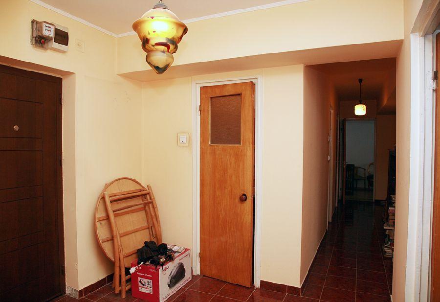 adelaparvu.com despre ap de 4 camere Bucuresti , design Val Decor , Foto Alia Bakutayan  (23)