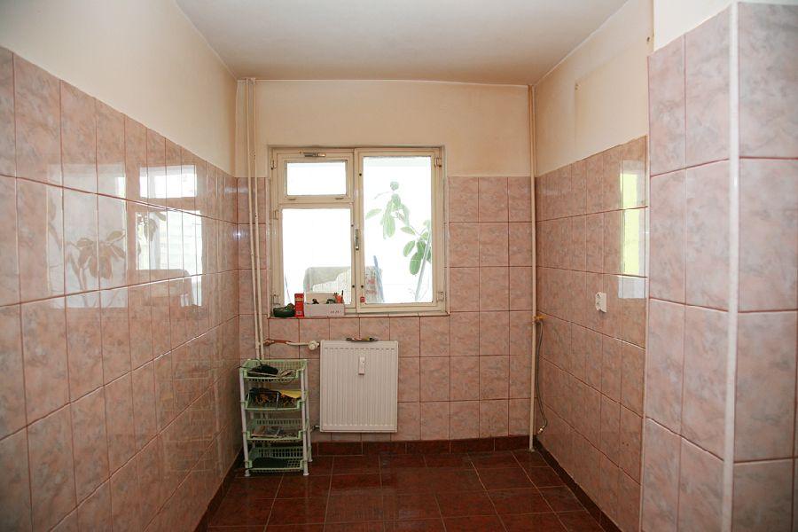 adelaparvu.com despre ap de 4 camere Bucuresti , design Val Decor , Foto Alia Bakutayan  (8)