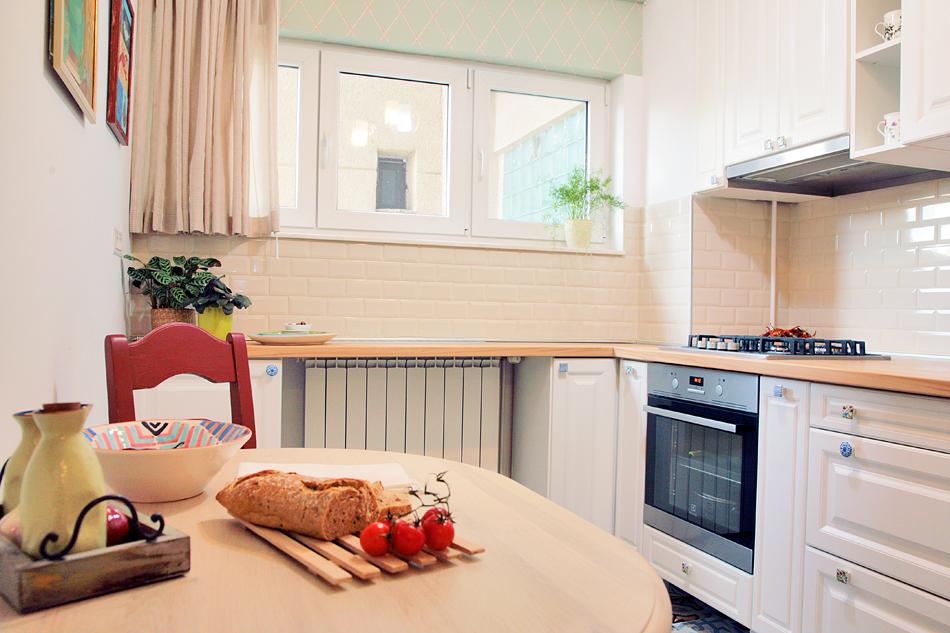 adelaparvu.com despre apartament de trei camere amenajat in stil traditional romanesc reinterpretat, design interior Valdecor, Alia Bakutayan si Daniel Tufis (14)