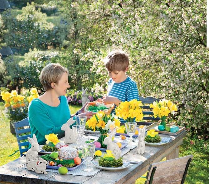 adelaparvu.com despre aranjamente cu oua si flori pentru masa de Paste, Foto Weranda Country (12)