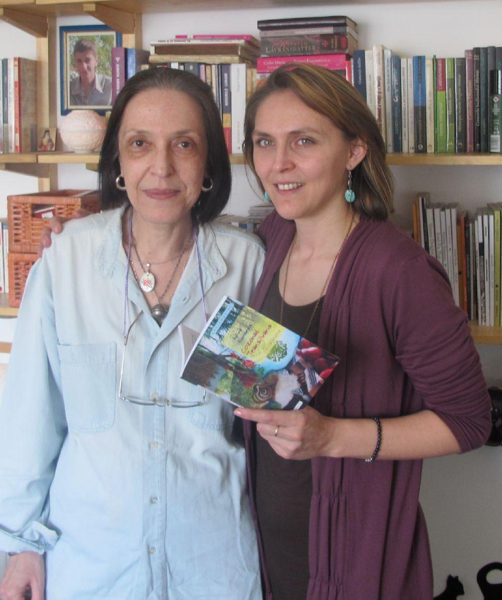 Alături de sctiitorea Adina Kenereș