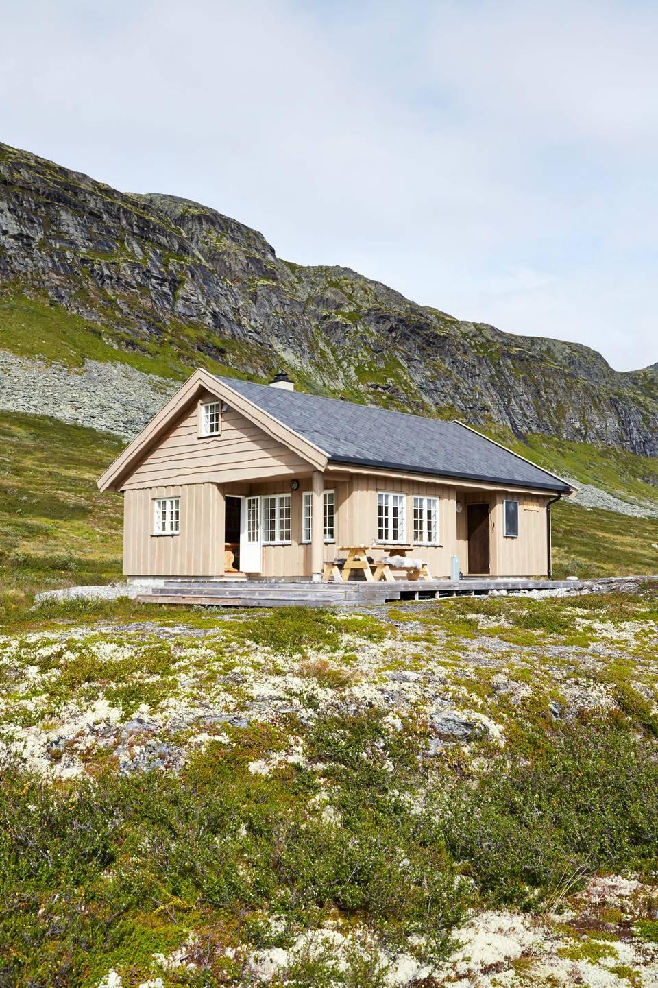 adelaparvu.com despre casa de vacanta din lemn de 63 mp, casa Norvegia Mannsberg Tyin, Foto Sveinung Brathen (11)