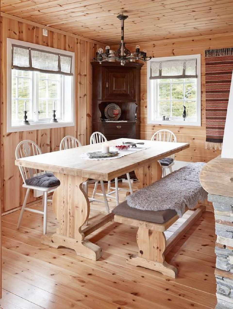 adelaparvu.com despre casa de vacanta din lemn de 63 mp, casa Norvegia Mannsberg Tyin, Foto Sveinung Brathen (5)