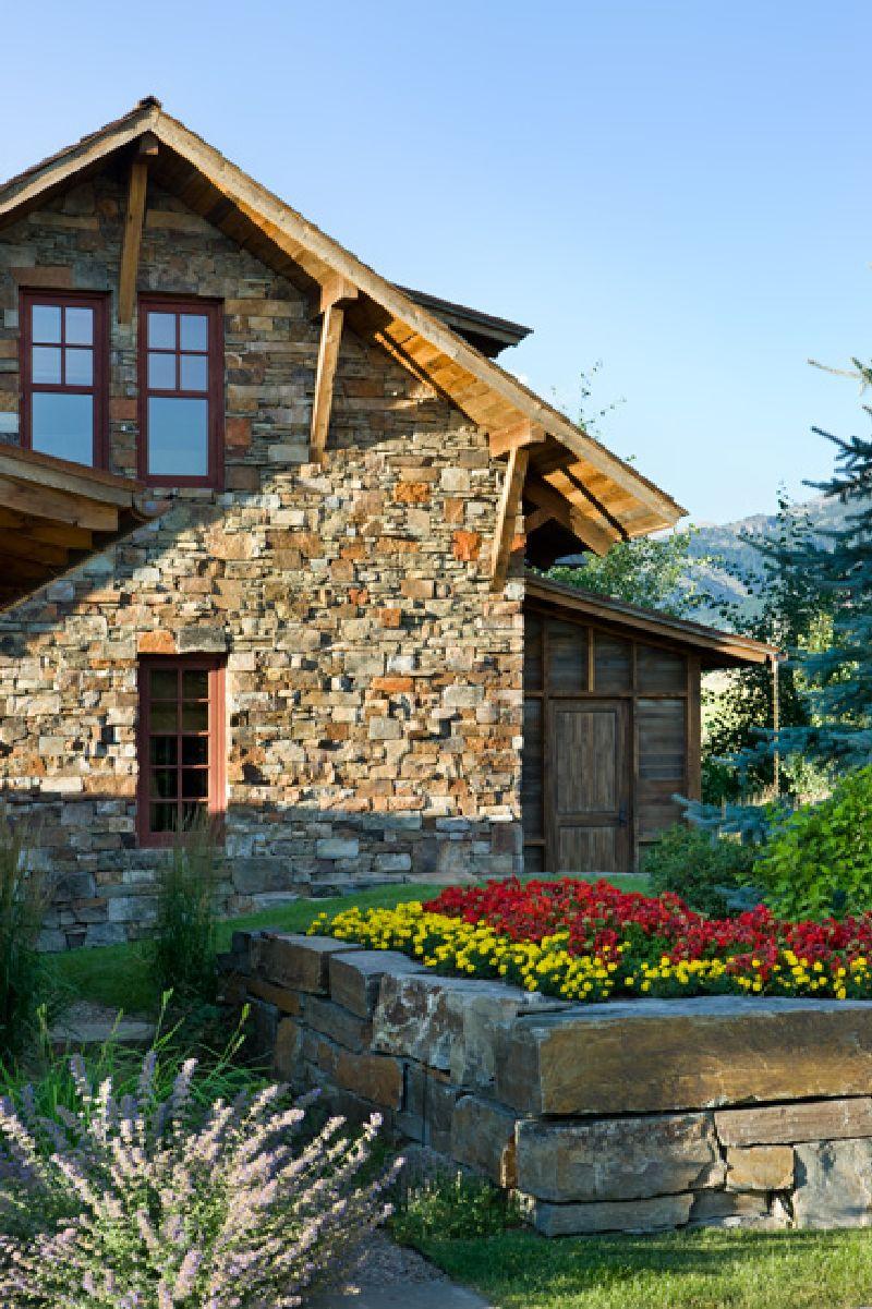 adelaparvu.com despre casa din lemn si piatra SUA, Bozeman, Montana, arhitectuta Locati Architects, Foto Roger Wade Studio (4)