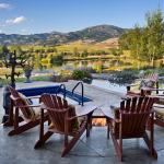 adelaparvu.com despre casa din lemn si piatra SUA, Bozeman, Montana, arhitectuta Locati Architects, Foto Roger Wade Studio (6)