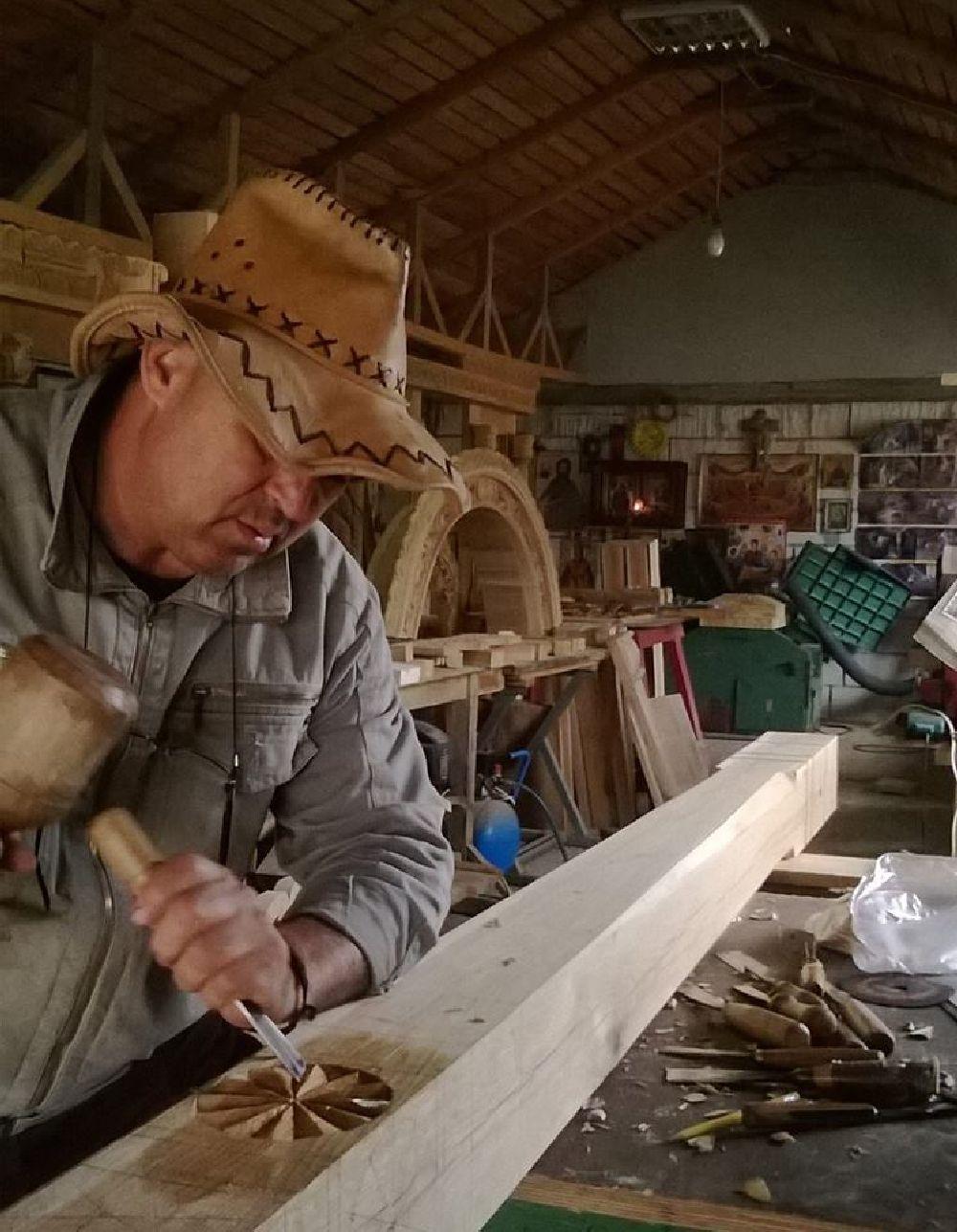 adelaparvu.com despre sculptorul in lemn Ion Moise din Topoloveni (1)