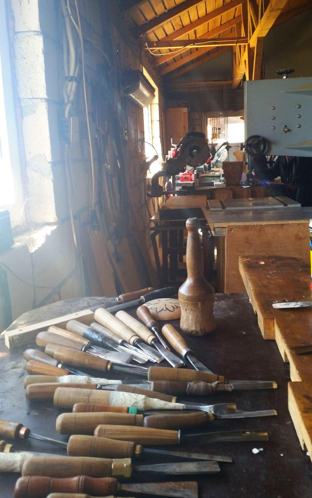 adelaparvu.com despre sculptorul in lemn Ion Moise din Topoloveni (33)