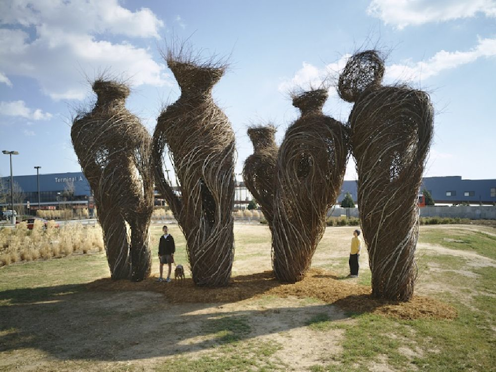 artist Patrick Dougherty, lucrare Stand by