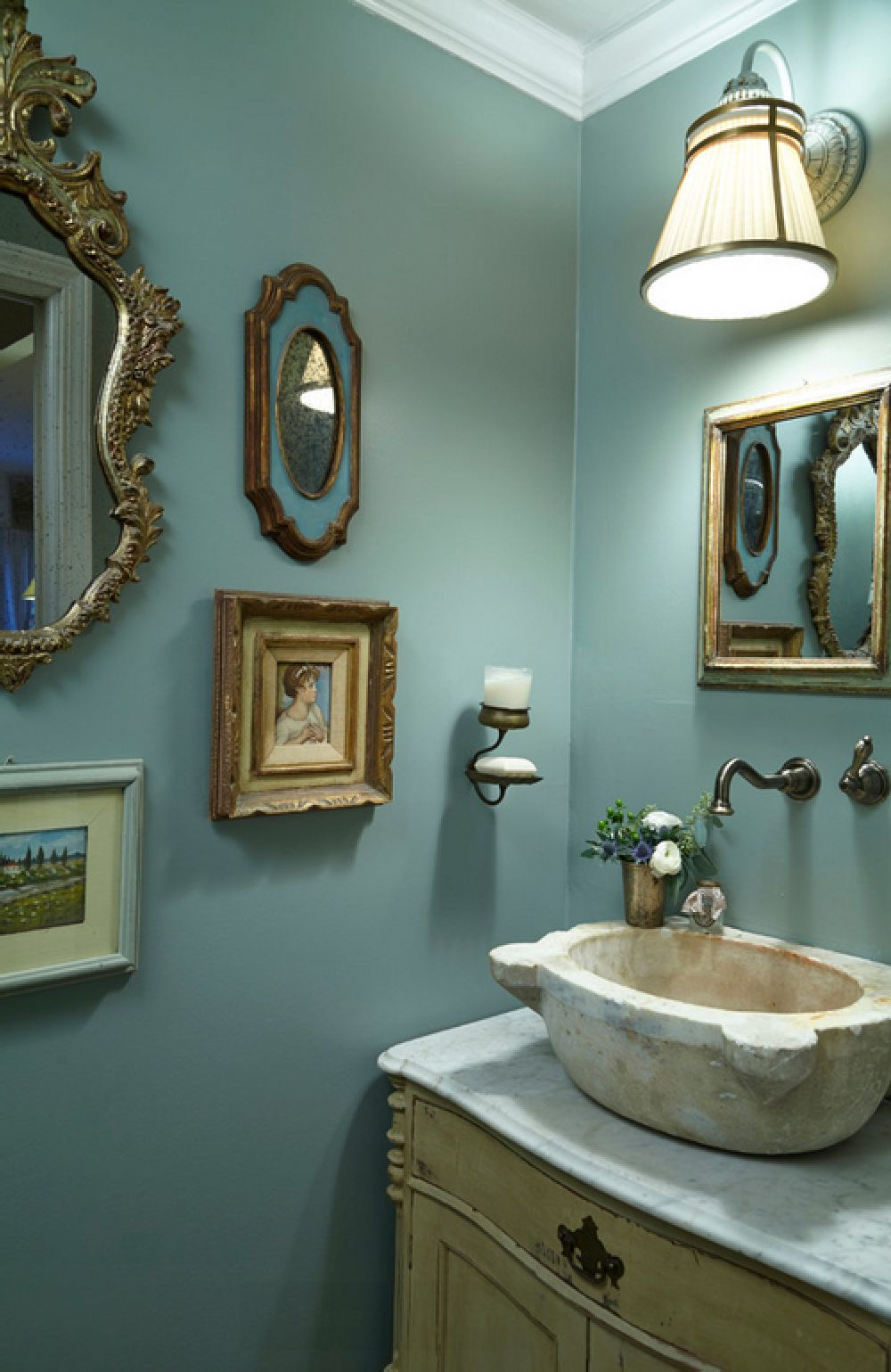 adelaparvu.com despre vopsea lavabila in bucatarie si baie, Foto Lisa Gabrielson Design