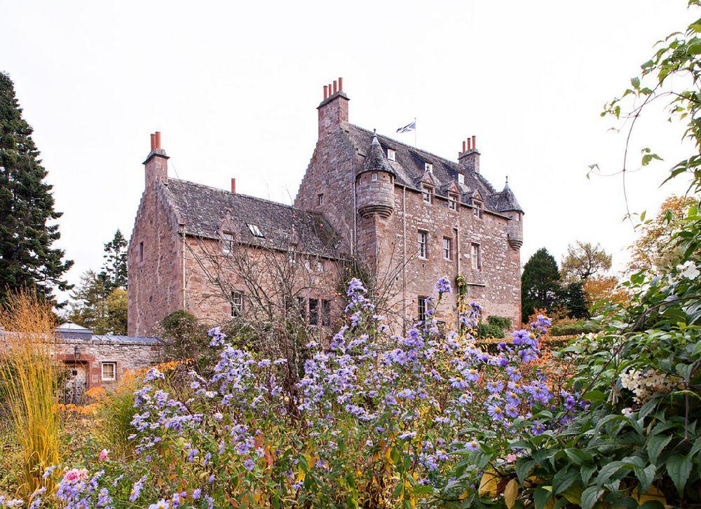 adelaparvu.com despre Dalcross Castle, Scotia, arhitectura si design Maxwell and Company, Foto Peter Lander (4)