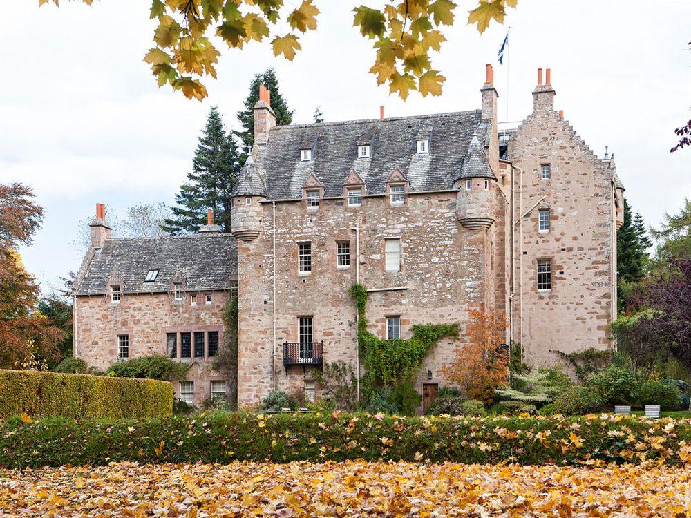 adelaparvu.com despre Dalcross Castle, Scotia, arhitectura si design Maxwell and Company, Foto Peter Lander (5)