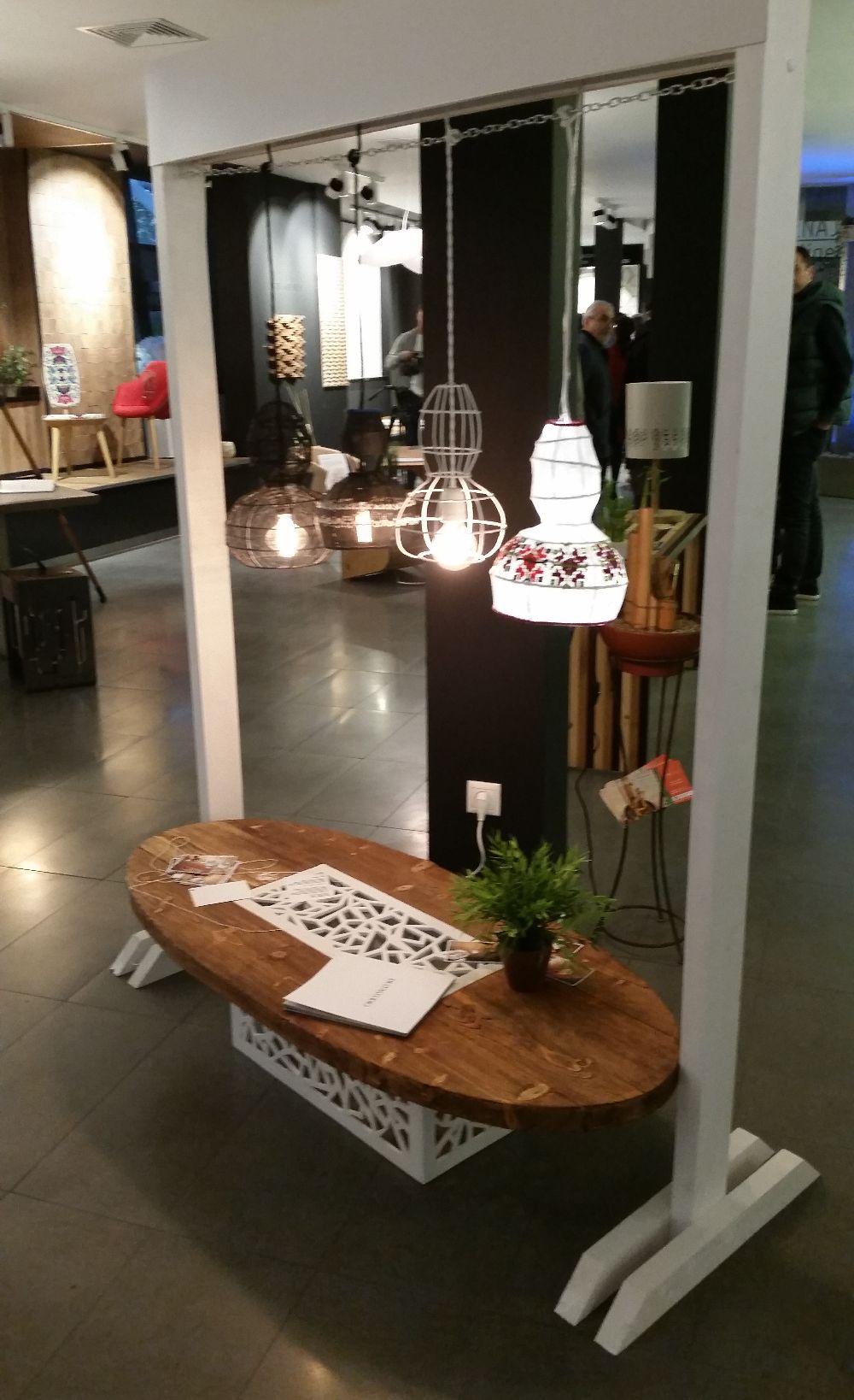 adelaparvu.com despre Delta Design Expo 2015, Masa si lampi Carmen Ratoi