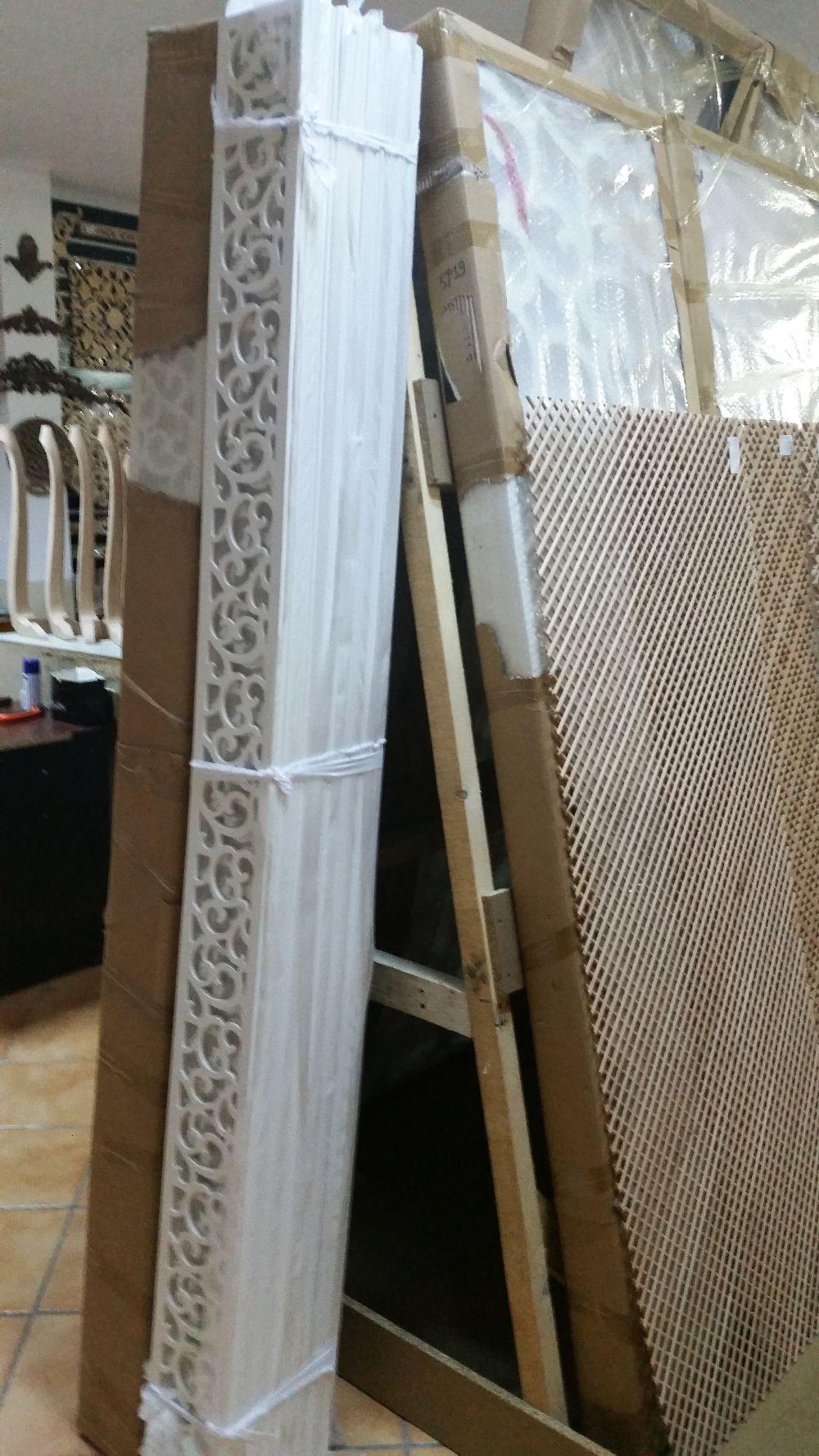 adelaparvu.com despre accesori din lemn si MDF, trafoare, paravane, stalpi, coloane Gold Concept Store (11)