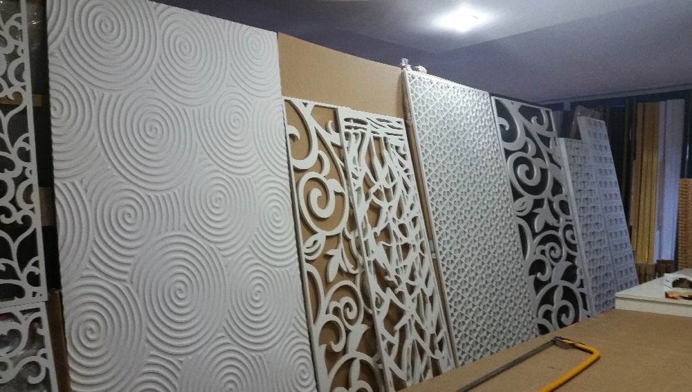 adelaparvu.com despre accesori din lemn si MDF, trafoare, paravane, stalpi, coloane Gold Concept Store (17)