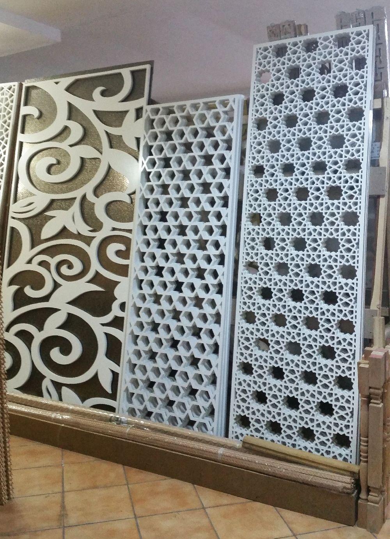 adelaparvu.com despre accesori din lemn si MDF, trafoare, paravane, stalpi, coloane Gold Concept Store (18)