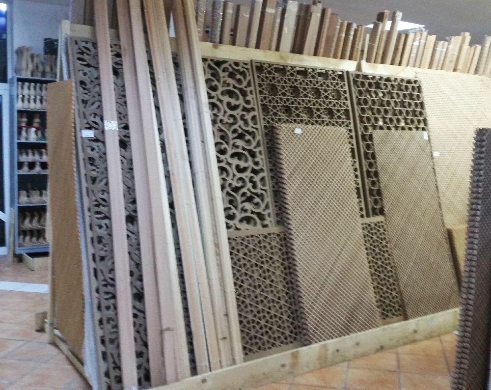 adelaparvu.com despre accesori din lemn si MDF, trafoare, paravane, stalpi, coloane Gold Concept Store (19)