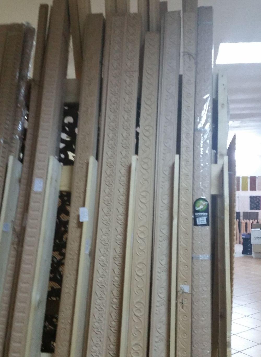 adelaparvu.com despre accesori din lemn si MDF, trafoare, paravane, stalpi, coloane Gold Concept Store (20)