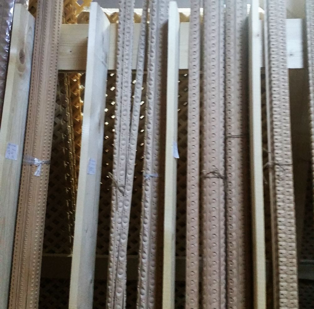 adelaparvu.com despre accesori din lemn si MDF, trafoare, paravane, stalpi, coloane Gold Concept Store (21)