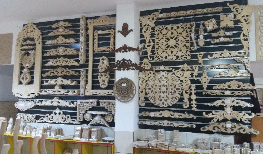 adelaparvu.com despre accesori din lemn si MDF, trafoare, paravane, stalpi, coloane Gold Concept Store (28)