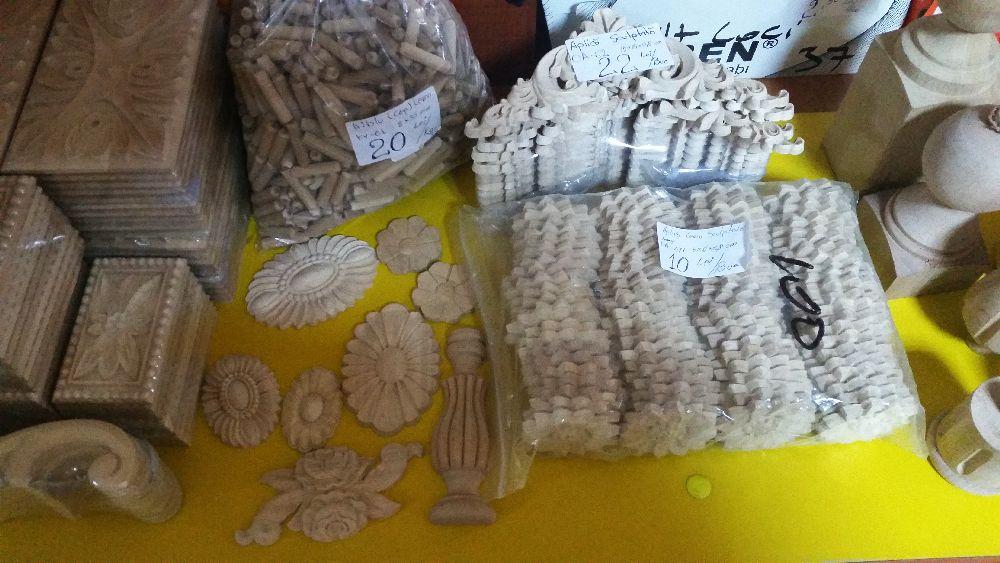 adelaparvu.com despre accesori din lemn si MDF, trafoare, paravane, stalpi, coloane Gold Concept Store (31)