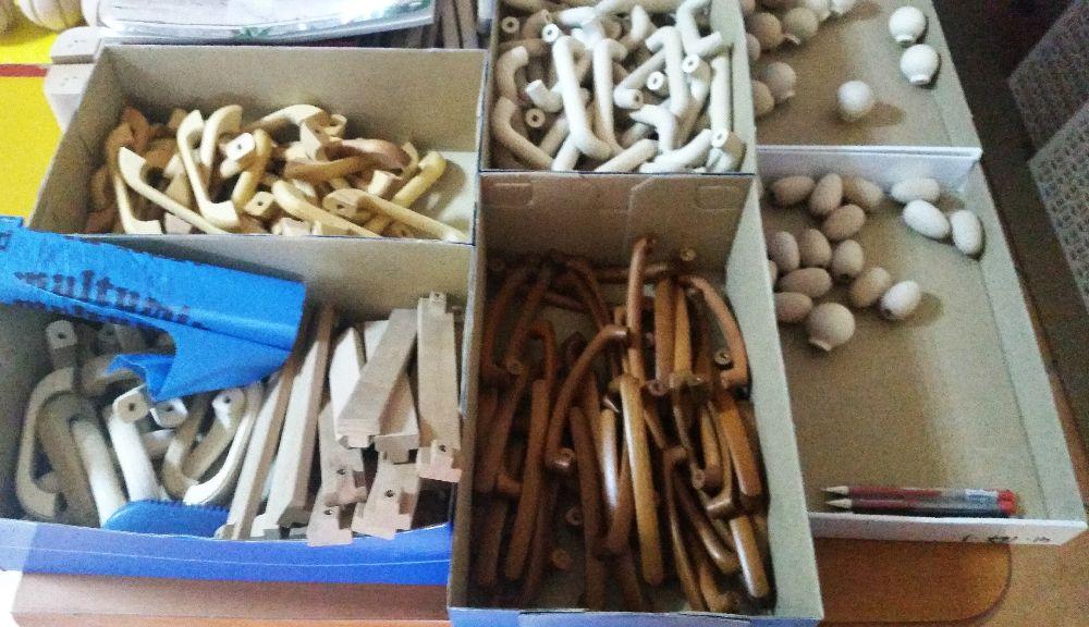 adelaparvu.com despre accesori din lemn si MDF, trafoare, paravane, stalpi, coloane Gold Concept Store (32)