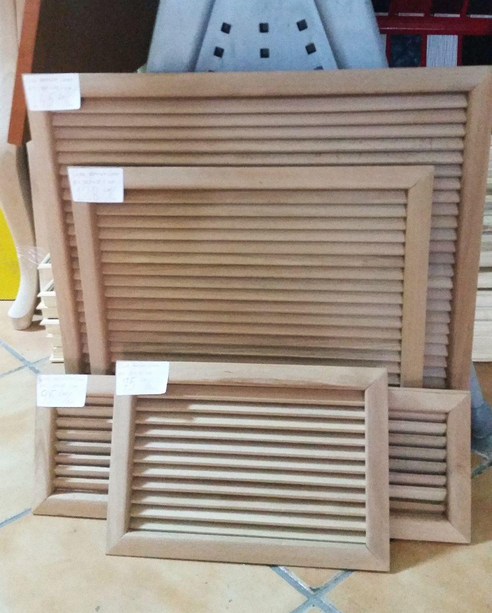 adelaparvu.com despre accesori din lemn si MDF, trafoare, paravane, stalpi, coloane Gold Concept Store (33)