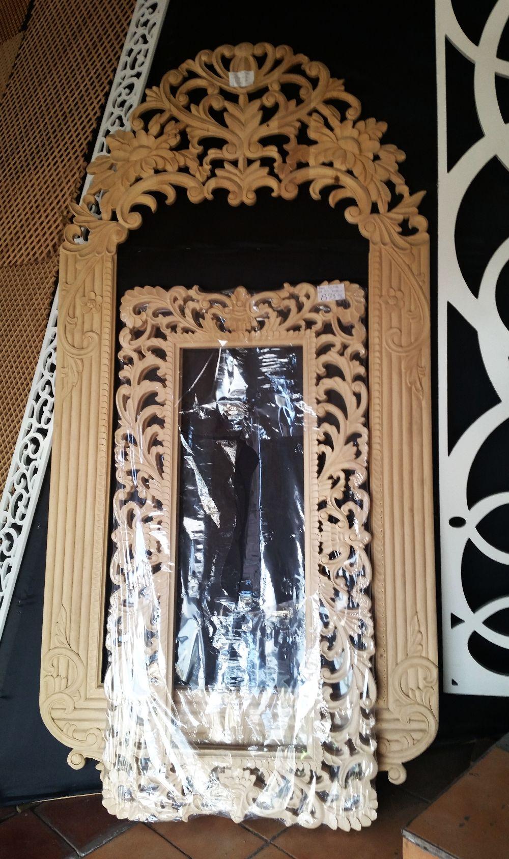 adelaparvu.com despre accesori din lemn si MDF, trafoare, paravane, stalpi, coloane Gold Concept Store (38)