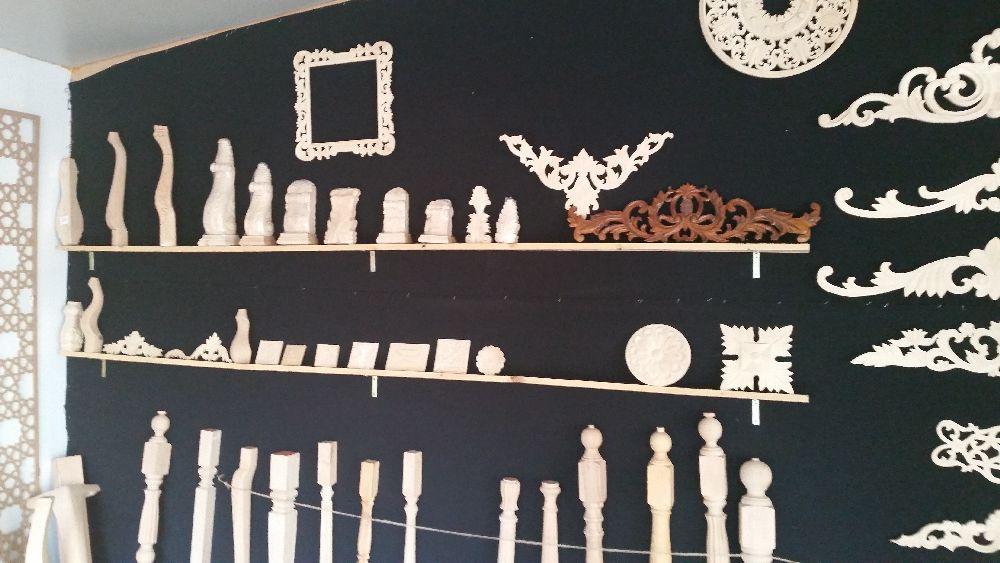 adelaparvu.com despre accesori din lemn si MDF, trafoare, paravane, stalpi, coloane Gold Concept Store (44)
