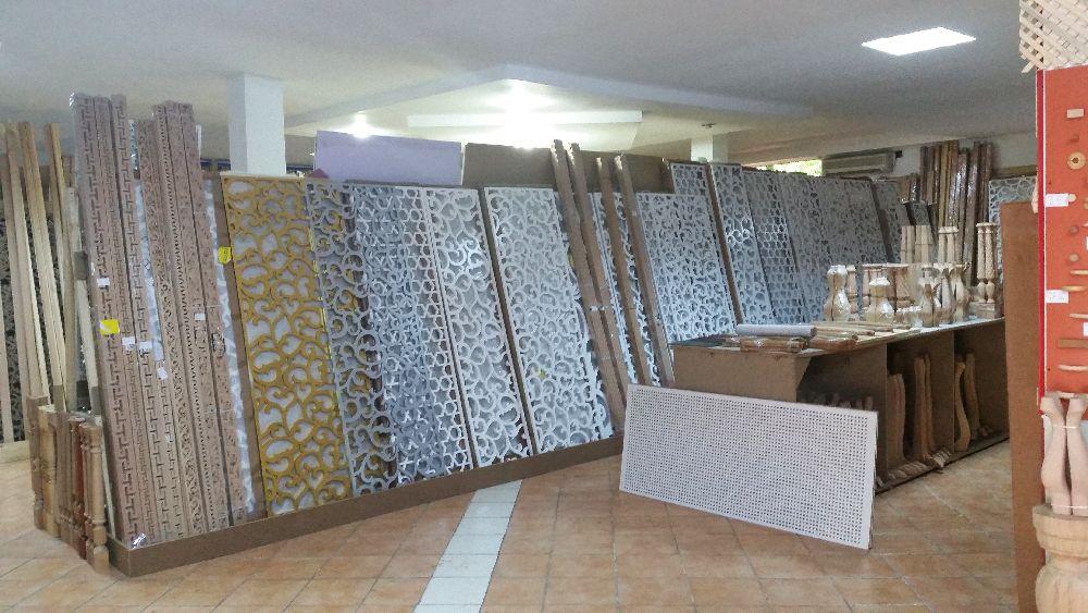 adelaparvu.com despre accesori din lemn si MDF, trafoare, paravane, stalpi, coloane Gold Concept Store (45)