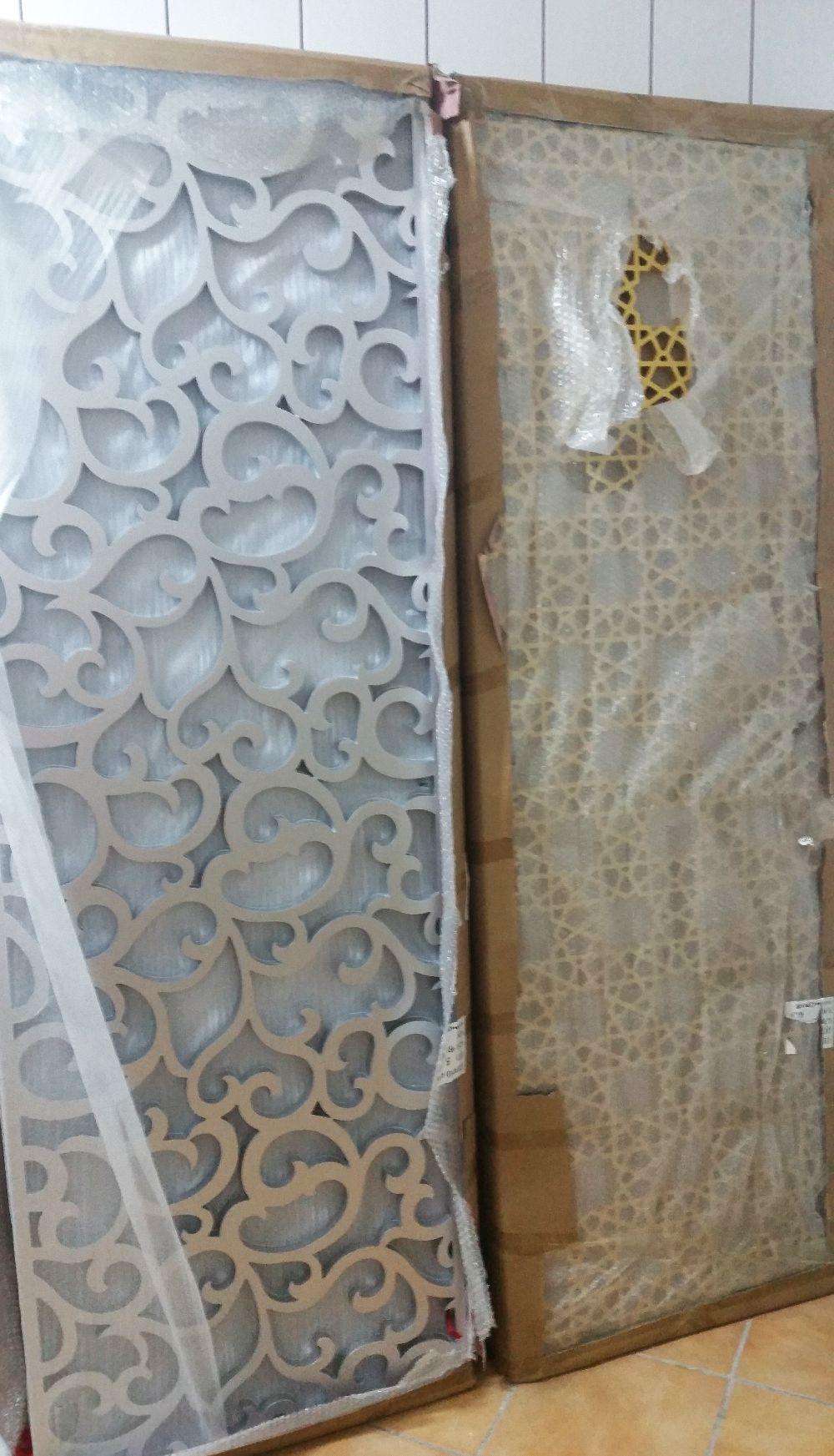 adelaparvu.com despre accesori din lemn si MDF, trafoare, paravane, stalpi, coloane Gold Concept Store (8)