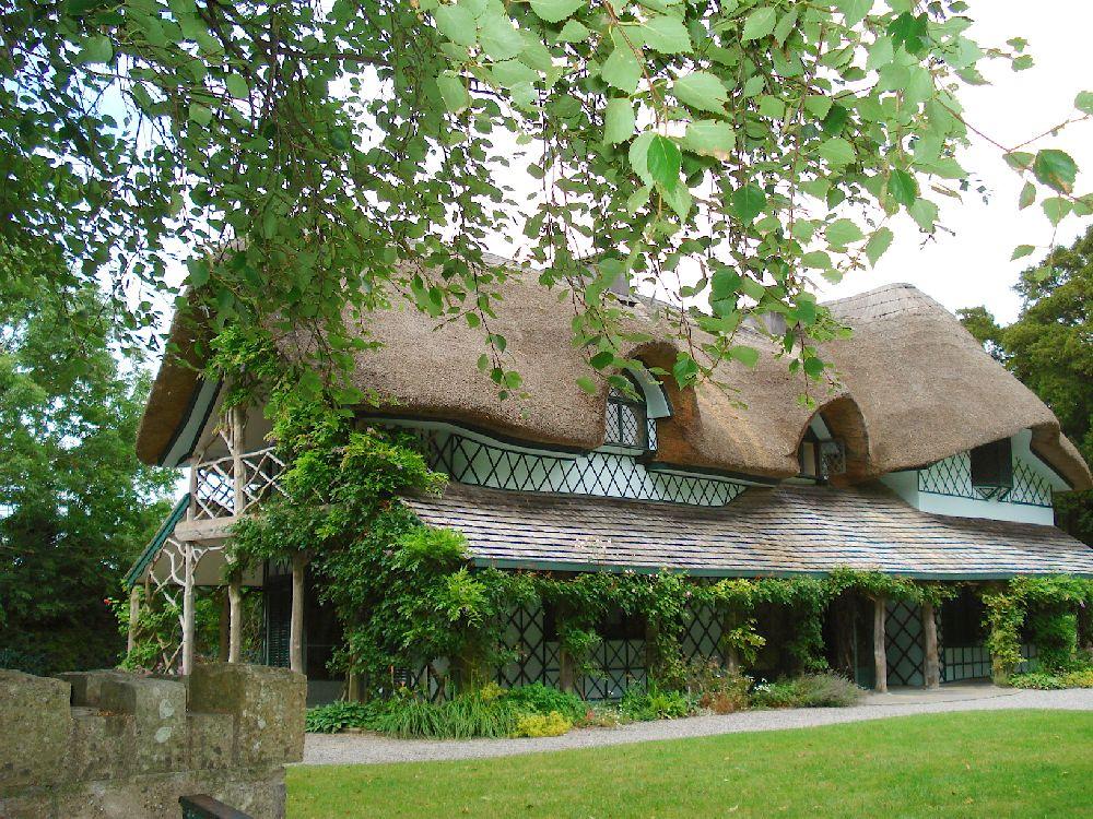 adelaparvu.com despre casa cu acoperis din stuf, Swiss Cottage in Cahir, Tippera, Irlanda (15)