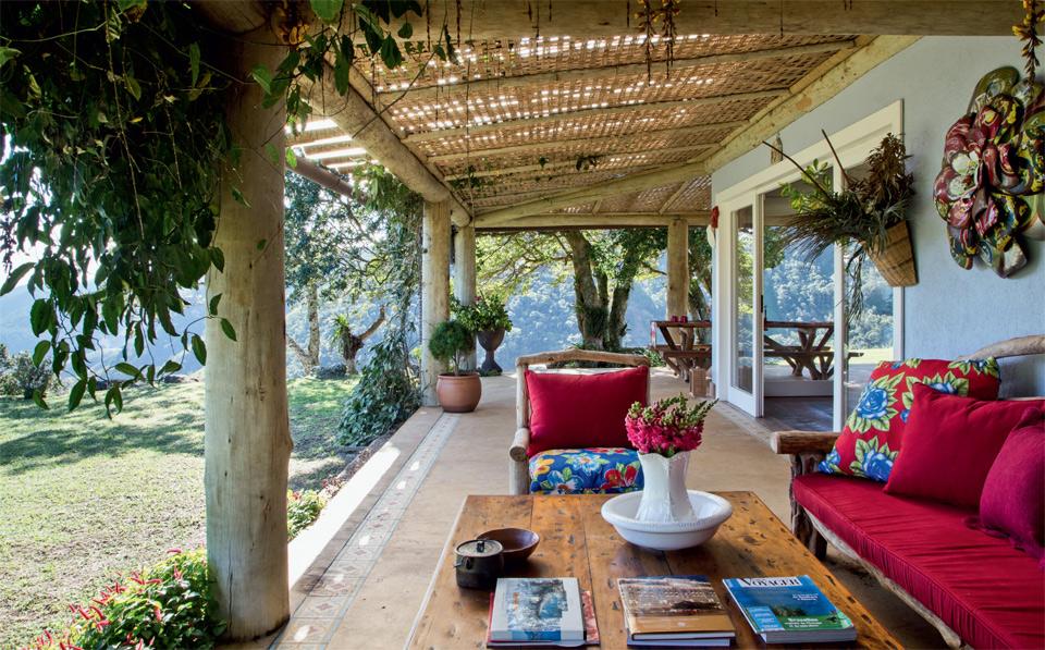 adelaparvu.com despre casa de vacanta la munte in Brazilia, arhitectura  Renata Bartolomeu (2)