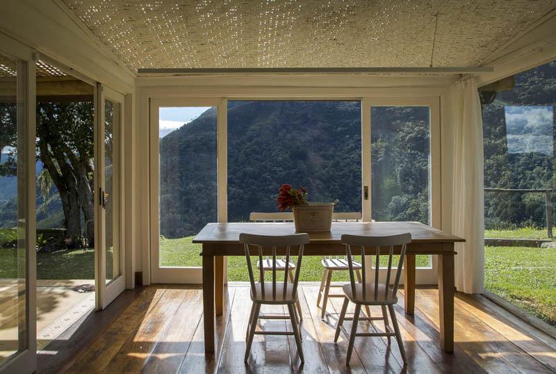 adelaparvu.com despre casa de vacanta la munte in Brazilia, arhitectura  Renata Bartolomeu (3)