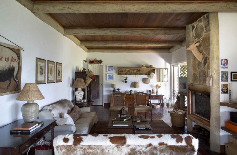 adelaparvu.com despre casa de vacanta la munte in Brazilia, arhitectura  Renata Bartolomeu (4)